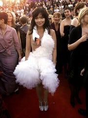 Bjork's 2001 Oscars dress is now on display at the Met.