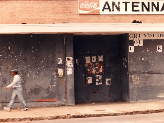 Exterior of Antenna Club on Madison Ave 1995. The fame Memphis rock club will be given a historical marker this week. A concert festival featuring over 30 bands will celebrate the club on Saturday.