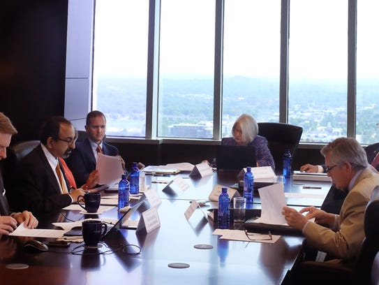 A meeting for The UT Board of Trustees to discuss leadership