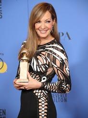 'I, Tonya' star Allison Janney poses with her award