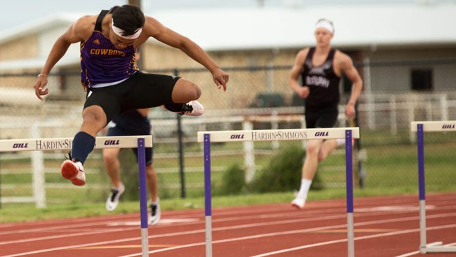 Hardin-Simmons hurdler Hasanai Chanriang, a sophomore from Mason, will compete at the the Division III national meet in the 400 hurdles Thursday, after qualifying in an altitude-adjusted time of 53.06 seconds at the West Texas A&M Last Chance meet on May 14.