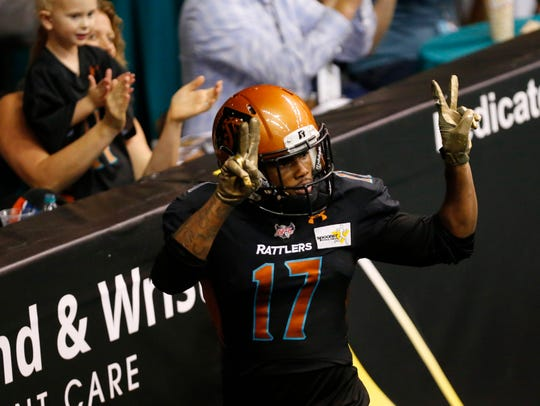 Dezmon Epps (17) of the Arizona Rattlers signals after
