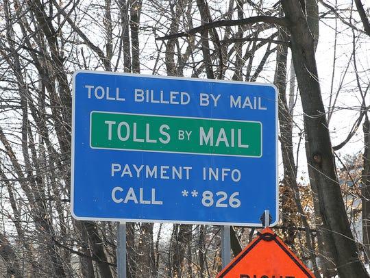 A sign at the Gov. Mario M. Cuomo Bridge alerts motorists