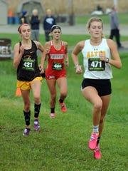 Buckeye Valley's Chloe Dawson runs in the state cross