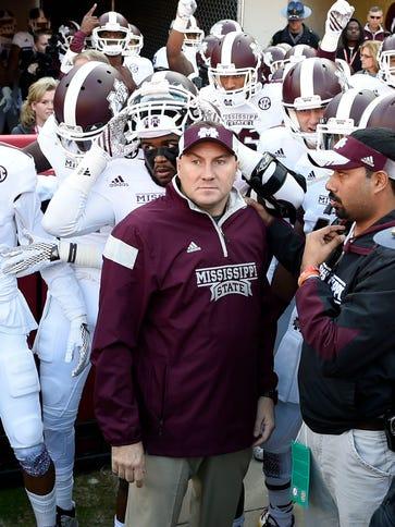 Mississippi State Bulldogs head coach Dan Mullen leads