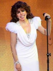 Verónica Castro brilla en su regreso al teatro.