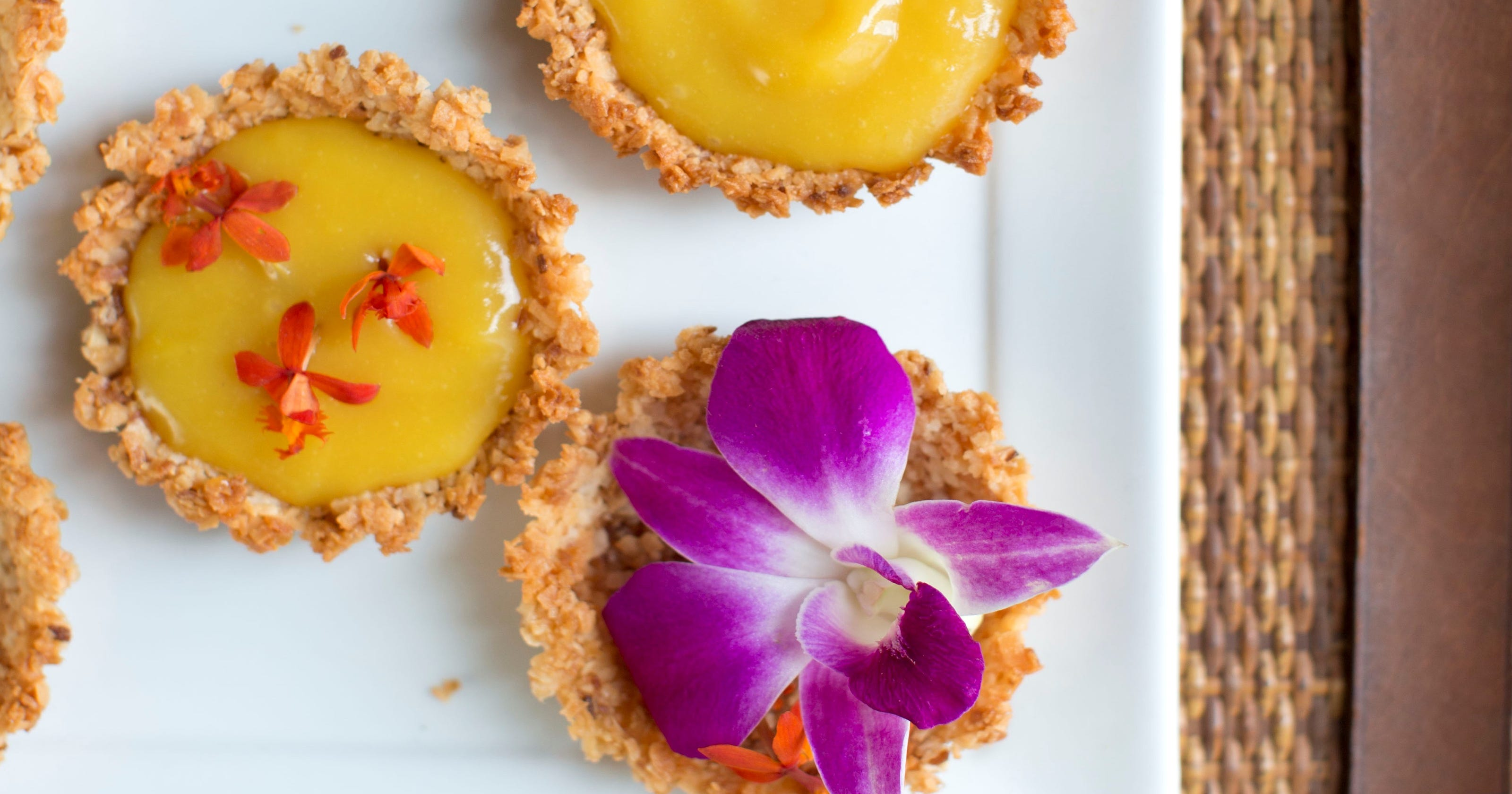Edible Flowers How To Use Them In Sweet Savory Dishes Drinks