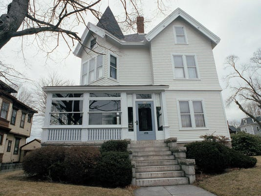 Home of alleged ax murder Borden will reopen as B&B