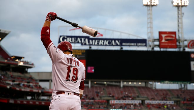 Cincinnati Reds first baseman Joey Votto (19) warms up before his at bat in the fourth inning against the St. Louis Cardinals June 7, 2017, at Great American Ball Park.