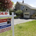 US home sales fall amid inventory shortage