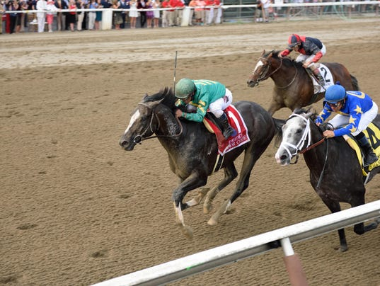 Route de la Breeders' Cup 2015 - Page 2 635746610808783473-Honor-code-The-Whitney10