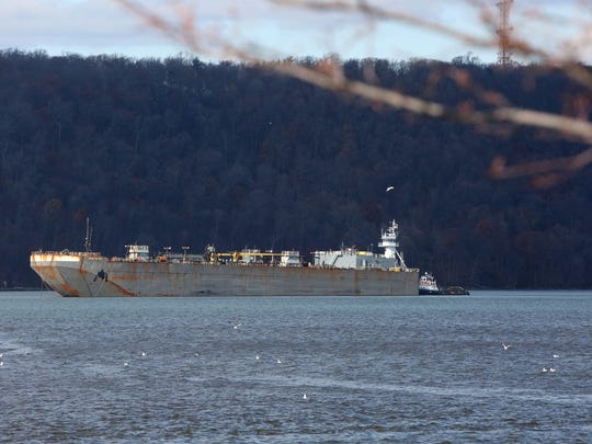 A barge on the Hudson River off Yonkers in December 2016. A plan to set up anchorages where such vessels could lay over has been scuttled by the Coast Guard.