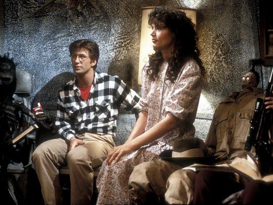 The Maitlands (Alec Baldwin and Geena Davis) discover