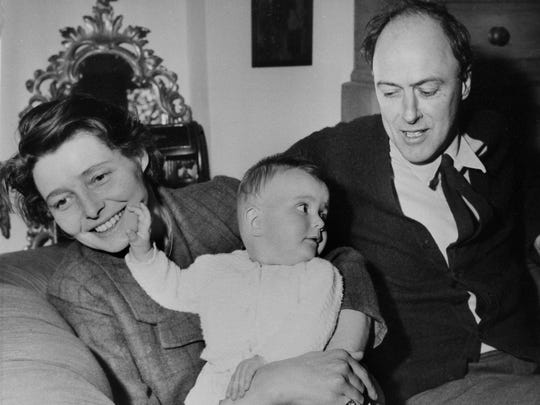 Author Roald Dahl with his actress wife, Patricia Neal,