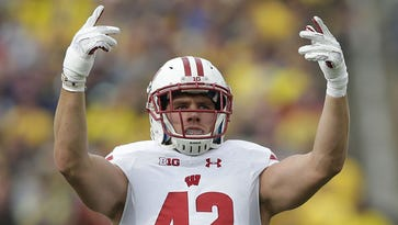 Mock drafts: Experts target Packers' needs