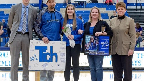 Allison Tichy, center, was one of five seniors on the Peru State women's basketball team this year.