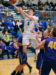 Chillicothe's Tommy Bolte shoots against Wilmington