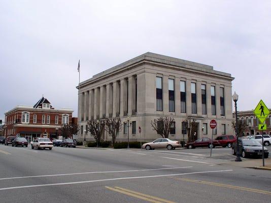 636148987617865530-Gallatin-courthouse.jpg