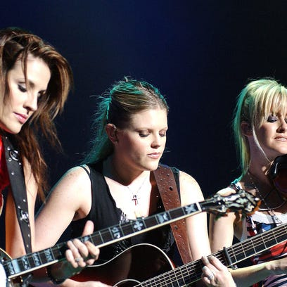 The Dixie Chicks will embark on their first U.S. tour