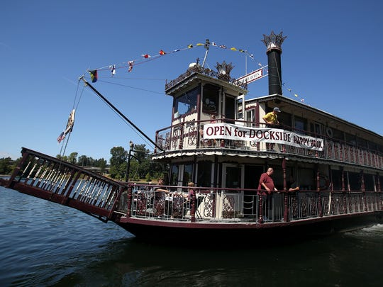 The Willamette Queen will offer river views, live music