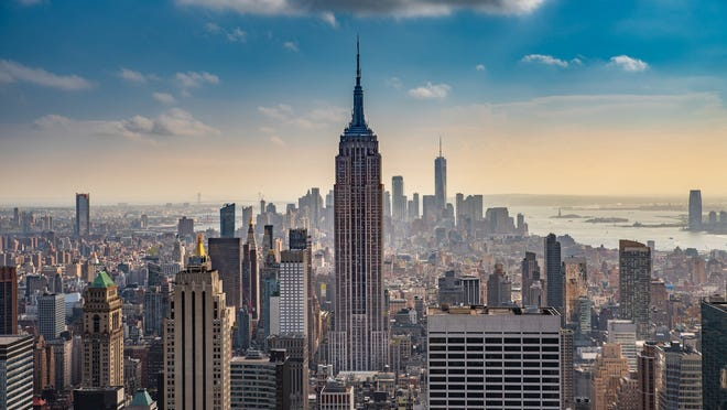 A New York City skyline facing the Empire State building