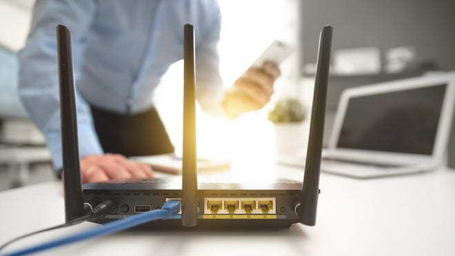 There are several steps to take when having difficulty connecting a new laptop to a Wi-Fi router.