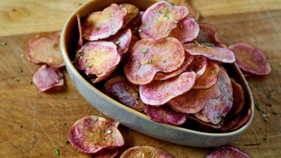 Rosemary potato chips. Photo by Jeff Lautenberger.