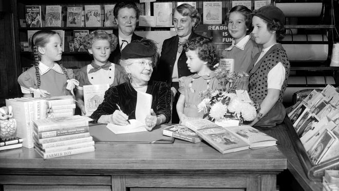 Laura Ingalls Wilder greeted about 200 of her young fans at a Springfield bookstore on Nov. 15, 1952.