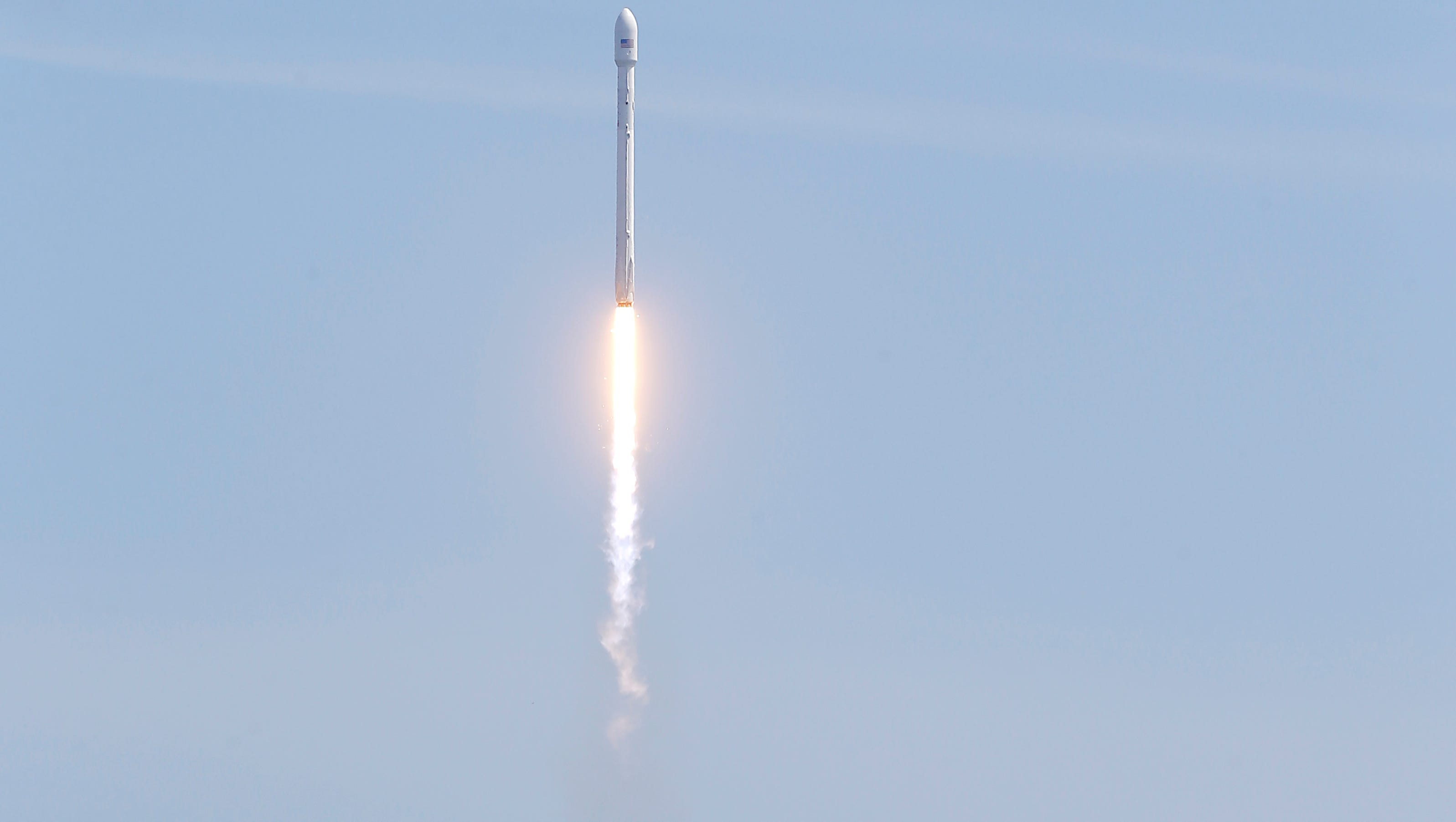 SpaceX rocket explodes at Texas test facility