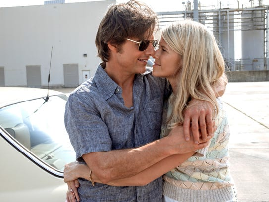 Tom Cruise and Sarah Wright Olsen appear in a scene