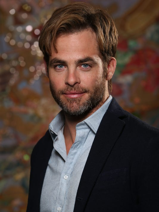 chris pine boldly explores the jack ryan universe