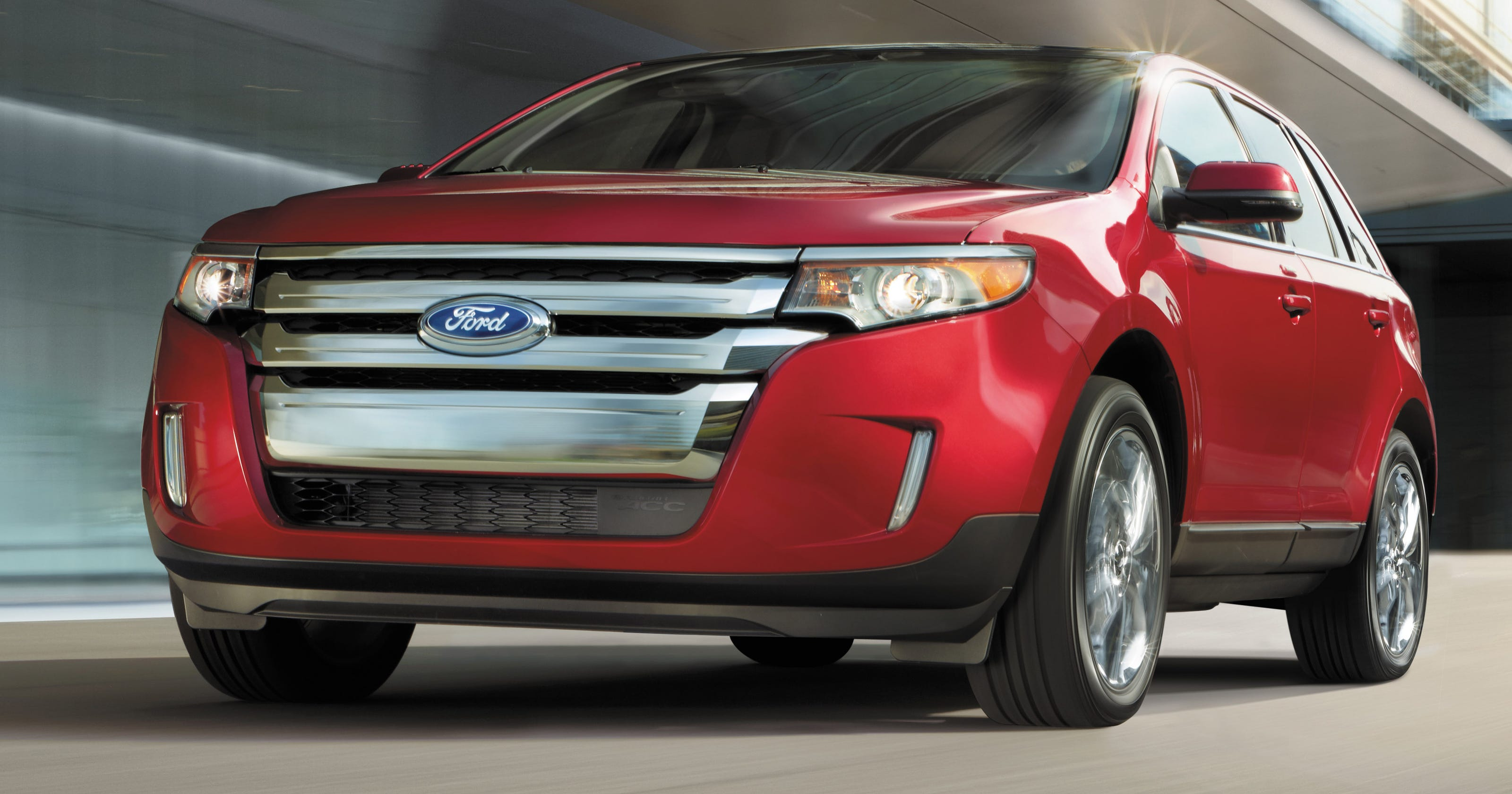 Ford recalls crossovers, big sedans for power loss