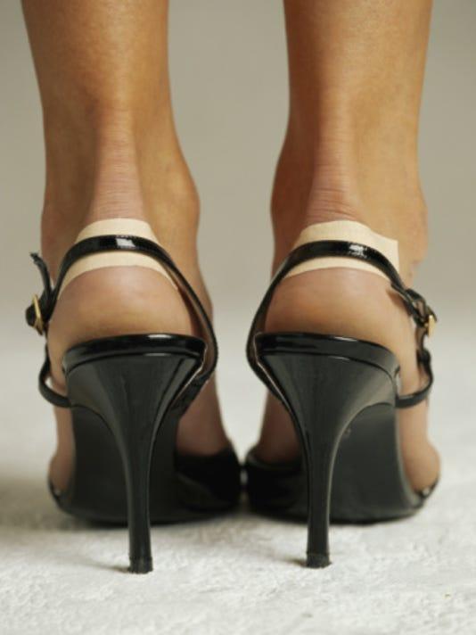 636276884853493359-Derby-Beauty-hacks-Black-heels-Bandaid.jpg