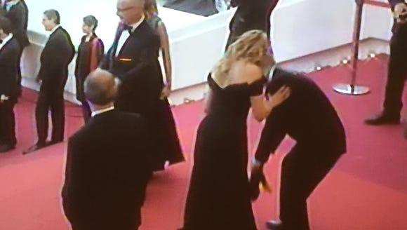 Julia Roberts, back in heel action.