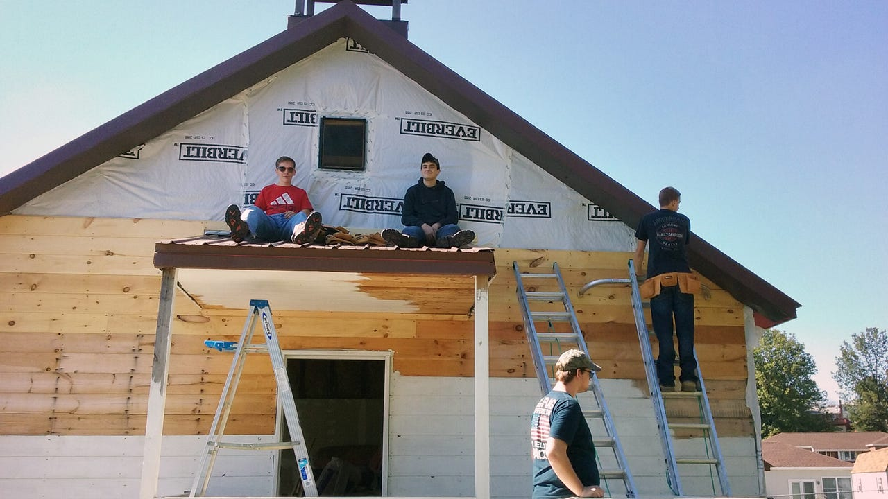 Students learn love of history rebuilding a one-room schoolhouse