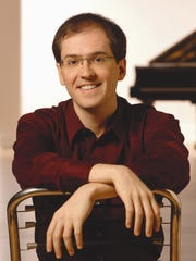 "Pianist Roberto Plano will be the featured performer with the San Juan Symphony during this weekend's ""Gershwin and the Roaring Twenties"" concerts in Farmington and Durango, Colo."