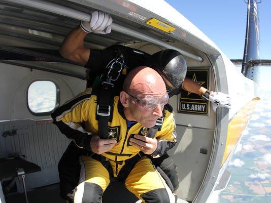 636287363765224836-Huber-prepares-to-jump200.jpg