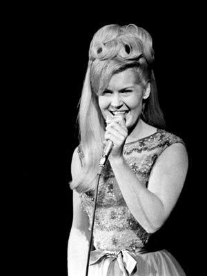Lynn Anderson was 67.