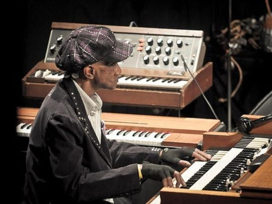 Plainfield-raised Rock and Roll Hall of Fame keyboardist Bernie Worrell is raising funds to fight cancer and produce a CD.