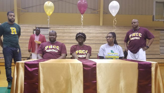 Rayville forward Nashaun Ellis signed with Pearl River (Miss.) Community College on Thursday. Ellis averaged 17 points and 10 rebounds and earned second-team All-State and first-team All-NELA honors.