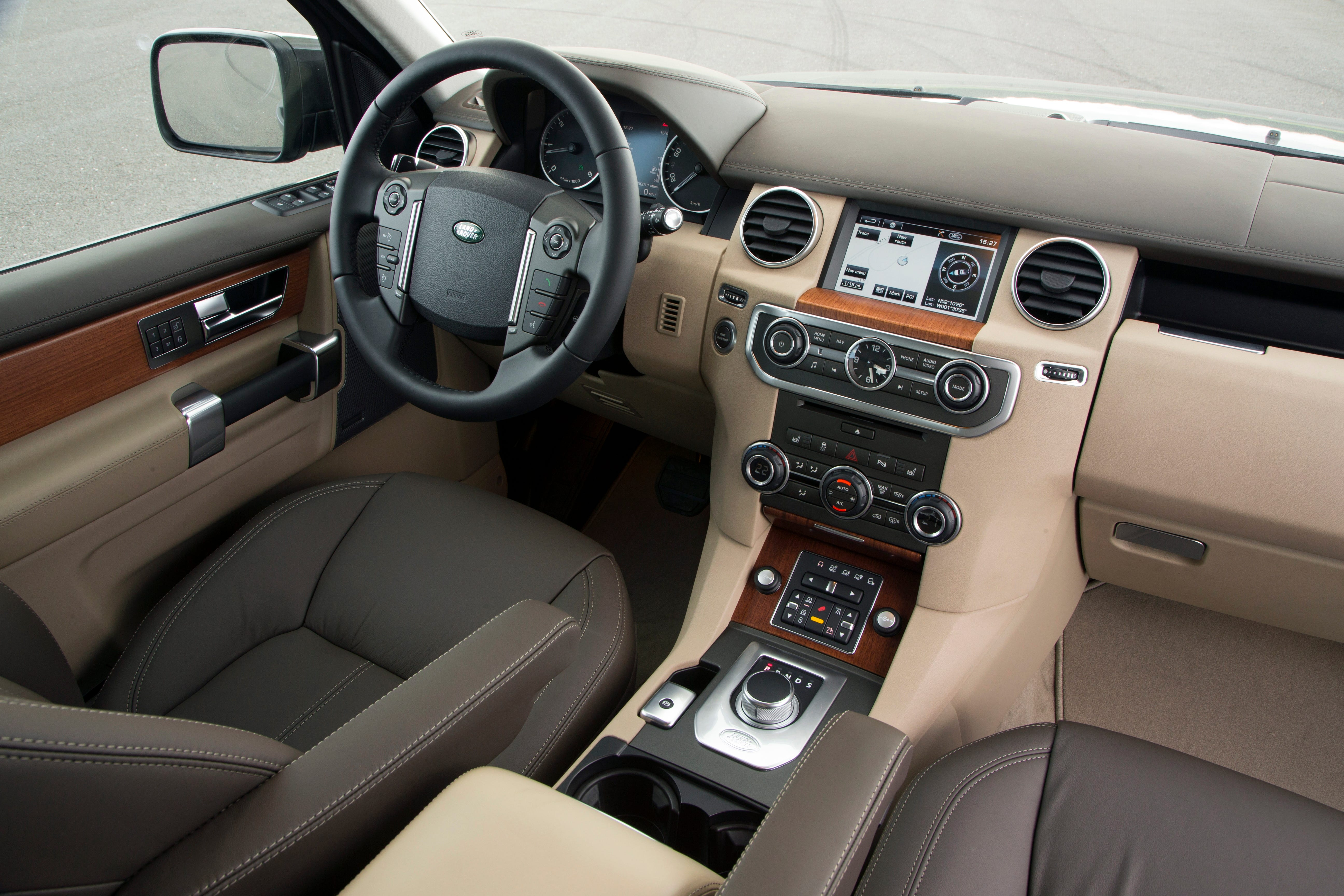 The Interior Of The Land Rover LR4 Is Leather Lined And Controlled With  Tri Zone Automatic Climate. Heated Front/rear Seats, Heated Steering Wheel,  ...