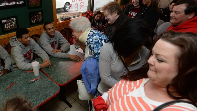 Fans say thanks, share stories and get autographs from Richmond High School basketball players during a meet and greet at Mancino's Pizza in Richmond.