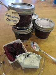 Tangy dewberry chutney