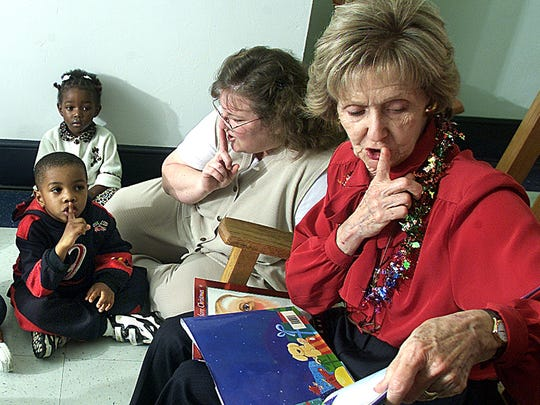 The late former first lady Rhea Chiles reads a story