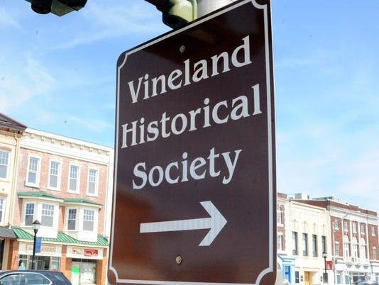 032714 VINELAND HISTORICAL SIGN FOR CAROUSEL