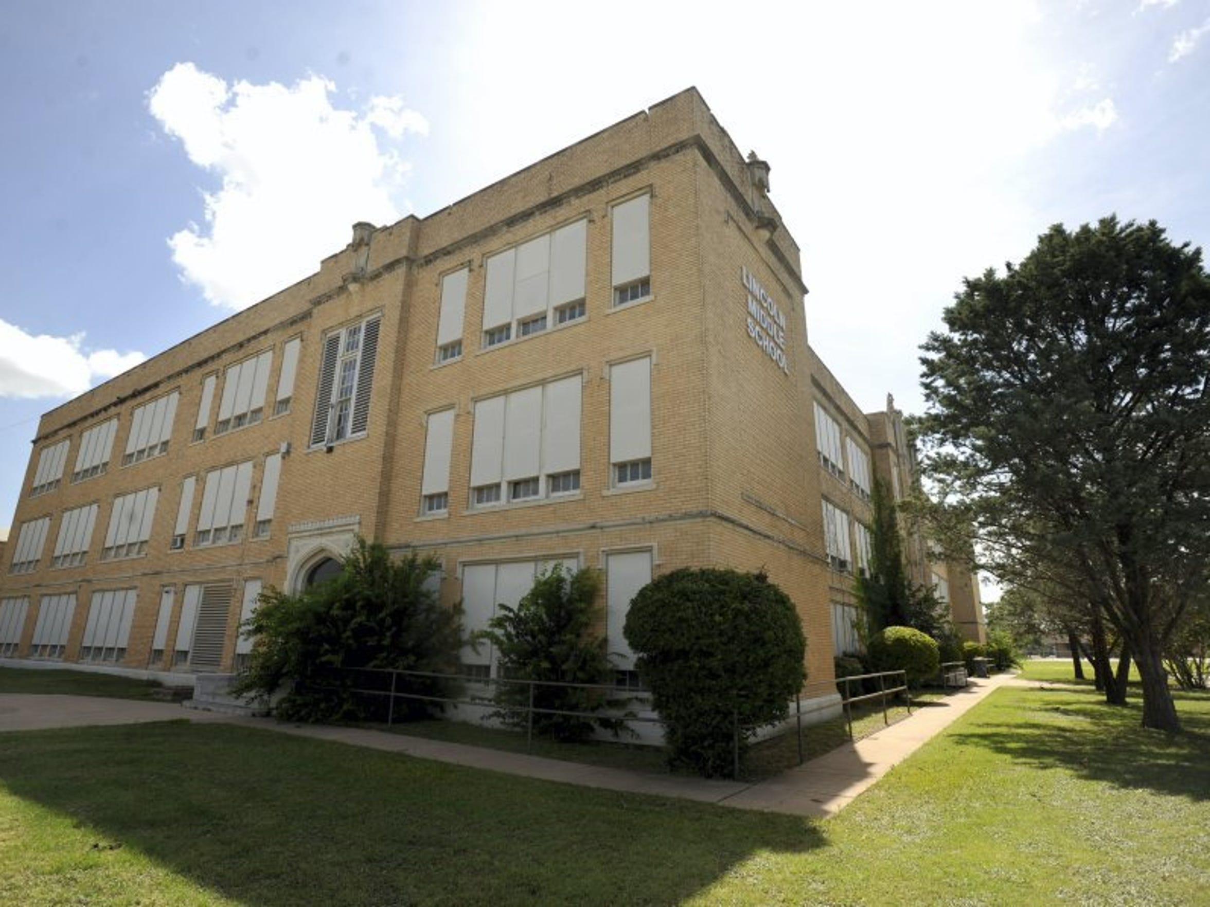 The former Lincoln Middle School building at South First Street opened as Abilene High School almost 100 years ago. It was constructed next to the railroad tracks and Bankhead Highway to make a statement to train passengers and highway travelers that the young town of Abilene was serious about education.