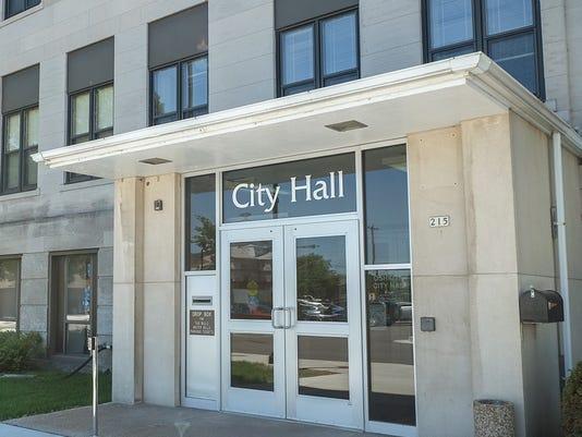 Oshkosh City Hall (1).jpg