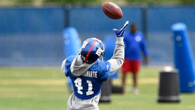 New York Giants cornerback Dominique Rodgers-Cromartie completes a pass during day three of minicamp in East Rutherford, NJ on Thursday, June 15, 2017.