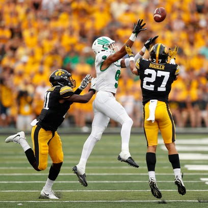 Meet new Iowa Hawkeyes starter Amani Hooker — 'a playmaker' at free safety