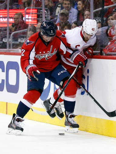 Washington Capitals defenseman Matt Niskanen (2) and